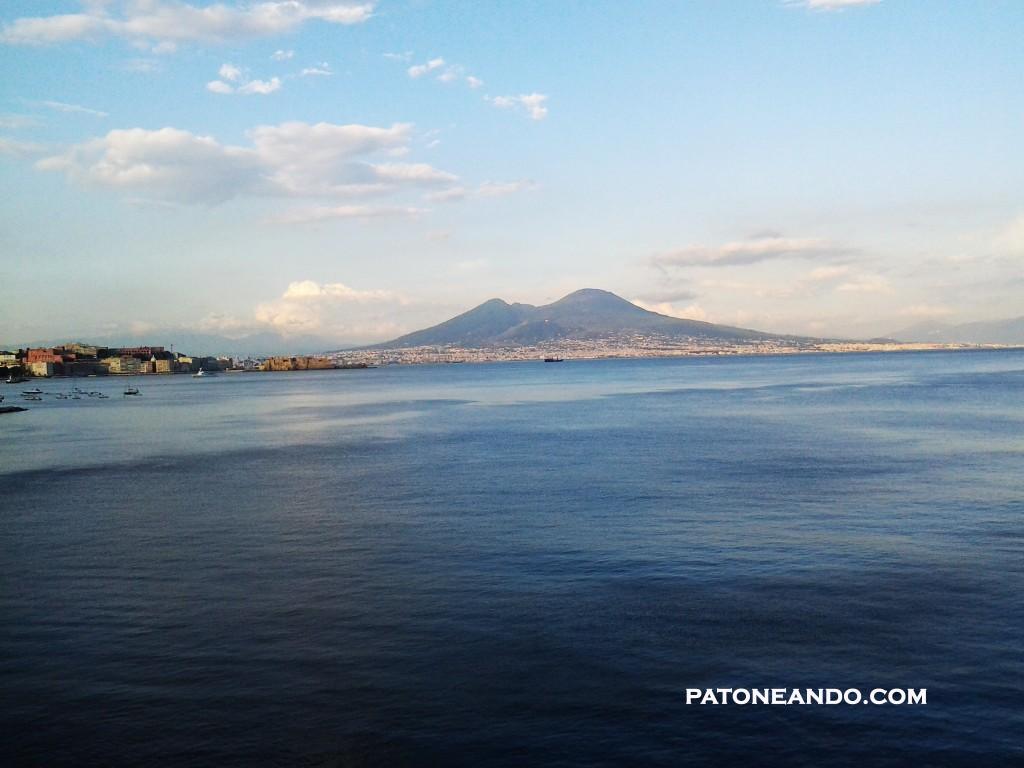 Nápoles observada por el Monte Vesubio