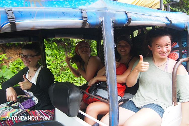 Chocó desde un tuk-tuk - Bahia Solano - Patoneando blog de viajes
