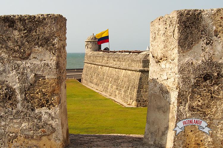 Cartagena - Colombia- la muralla-Patoneando Blog de viajes.jpg