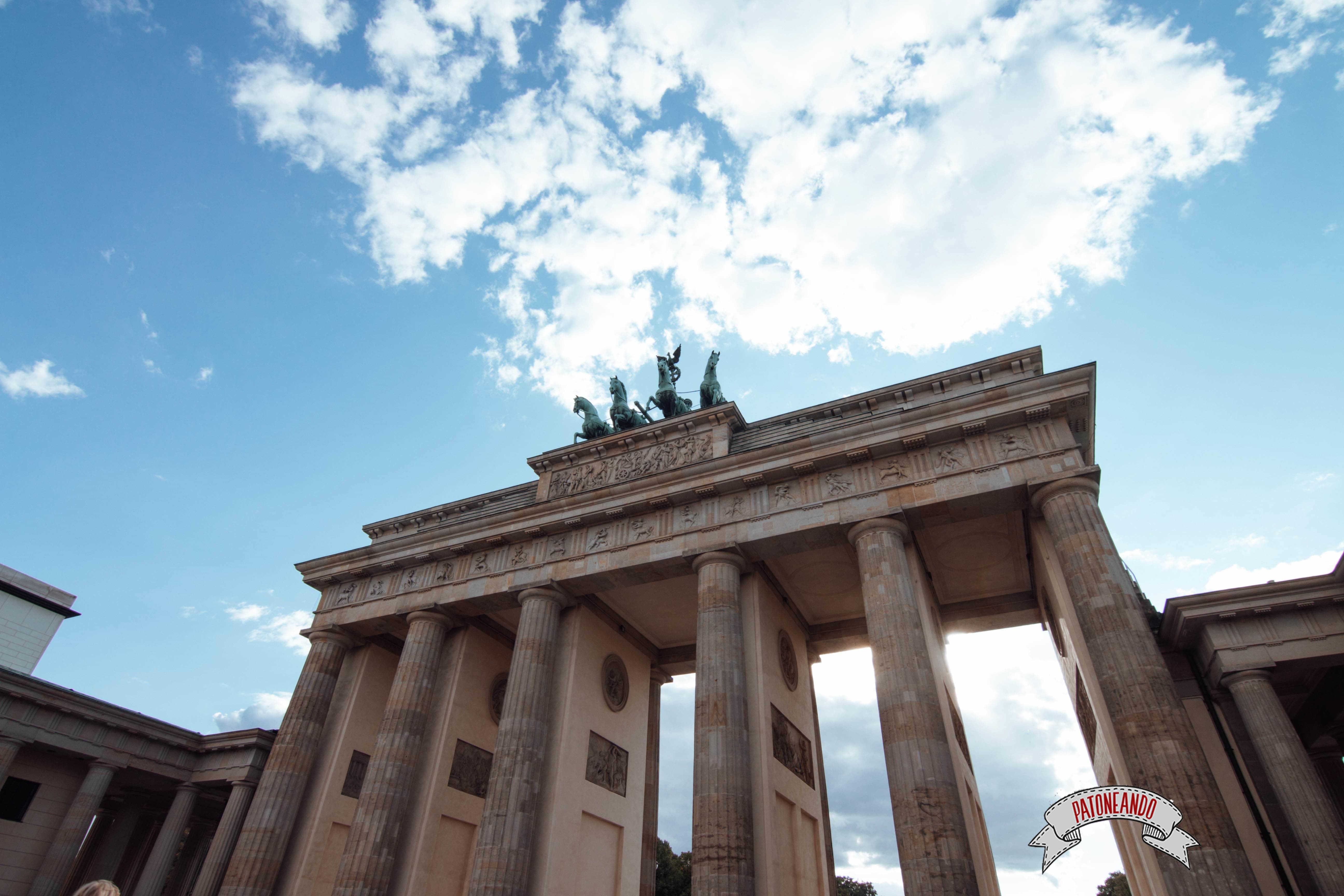 que ver y que hacer en Berlín - puerta de Branderburgo -Patoneando blog de viajes (9)