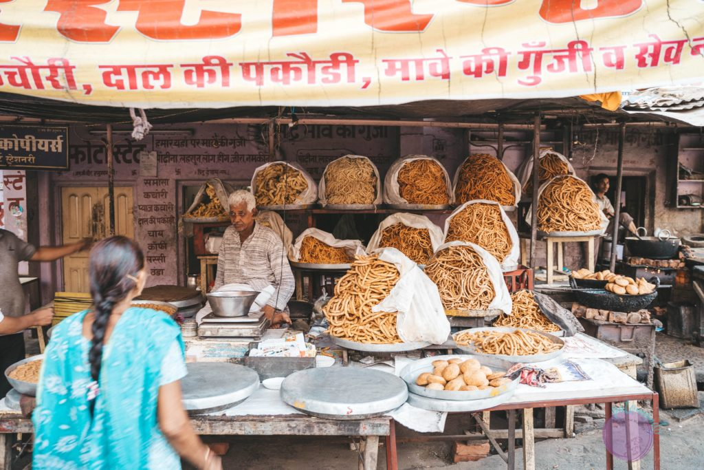 20 cosas que hacer en Jaipur - India - bazaar en jaipur - Patoneando blog de viajes