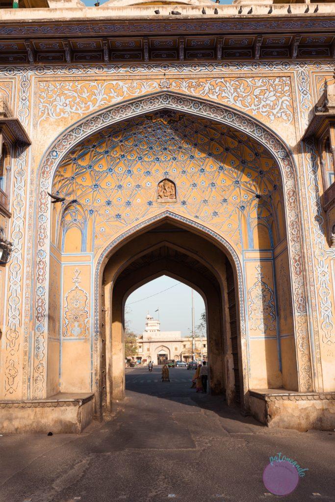 20 cosas que hacer en Jaipur - India - puertas de jaipur -Patoneando blog de viajes