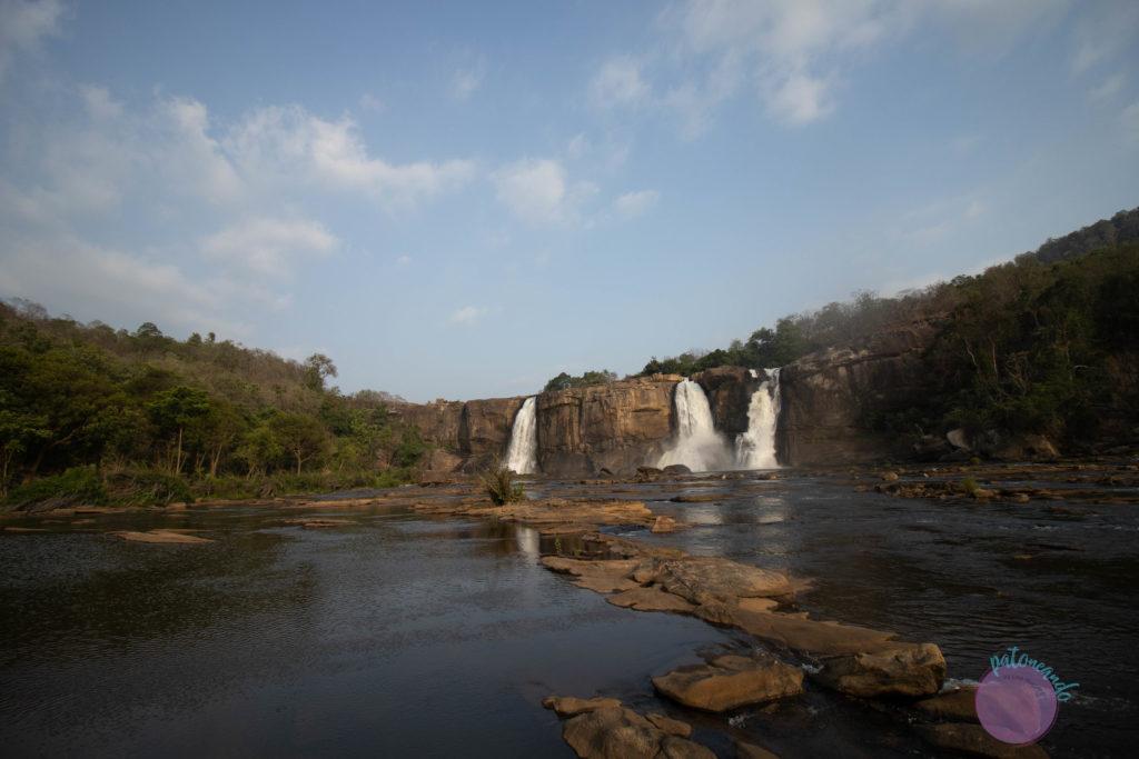 Que hacer en Kerala - lo mejor de kerala India - cascada athirappylly - Patoneando blog de viajes